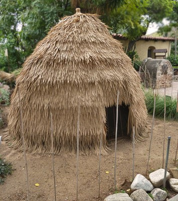 Replica of Tongva home (San Gabriel Mission)